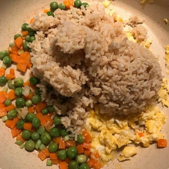 اضافه کردن برنج پخته