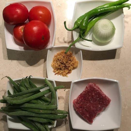 مواد لازم برای تهیه خورشت لوبیا سبز و گوشت