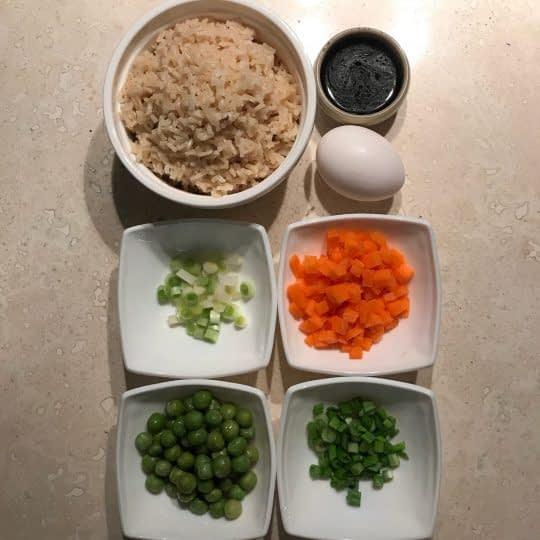 مواد لازم برای تهیه پلو چینی
