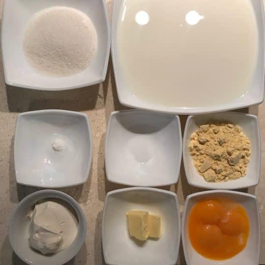 مواد لازم برای تهیه فرنی وانیلی با آرد ذرت