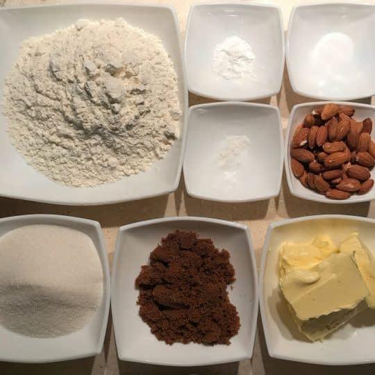 مواد لازم برای تهیه شیرینی بادامی