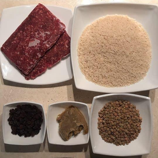 مواد لازم برای تهیه عدس پلو با گوشت و کشمش