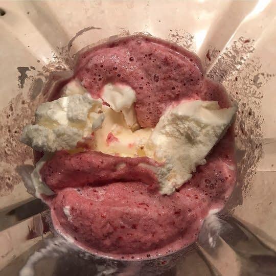 اضافه کردن بستنی وانیلی