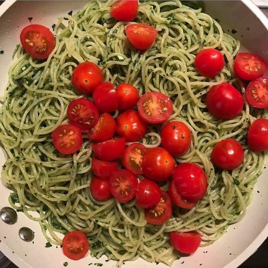اضافه کردن گوجه گیلاسی