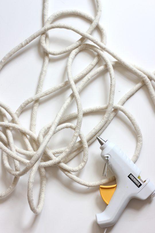 طناب و چسب برای ساخت سبد